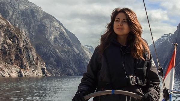 """Alyzée Joy Montana a rejoint la start-up Sailsquare, avec pour intitulé de poste """"job le plus cool du monde"""" - Crédit photo : Sailsquare"""