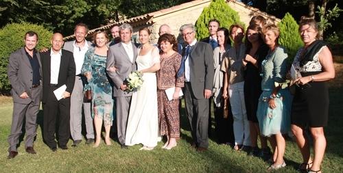 Les professionnels du tourisme entourent les nouveaux époux