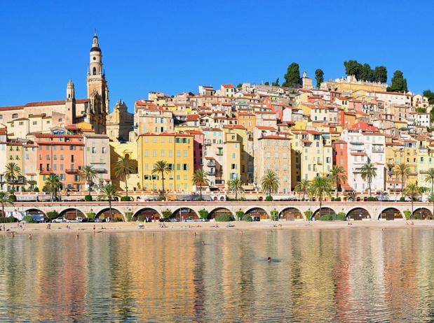 La Côte d'Azur est l'un des territoires les plus prisés en France - photo : Menton, crédit : Tobi 87 wikicommons
