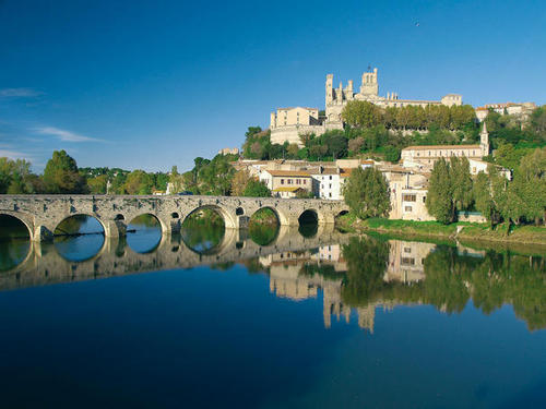 Béziers - Pont Canal et Cathédrale / P.Palau DR