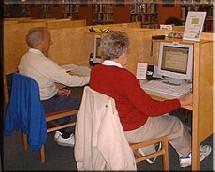 Par contre, même si les 55-64 achètent moins souvent en ligne, ce sont eux qui déboursent le plus.