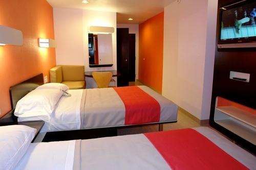 La nouvelle décoration des chambres de Motel 6. D'ici trois ans, tous les hôtels auront été restaurés.