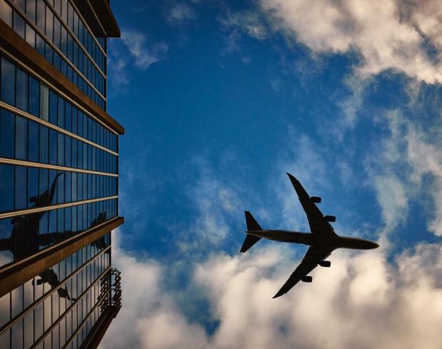 """""""L'obsolescence des systèmes de la navigation aérienne de la DSNA explique les difficultés à offrir des capacités suffisantes aux compagnies aériennes. Conséquence : le coût du maintien en conditions opérationnelles de ses équipements vieillissants augmente dangereusement"""" - Photo stock.tookapic.com pexels.com"""
