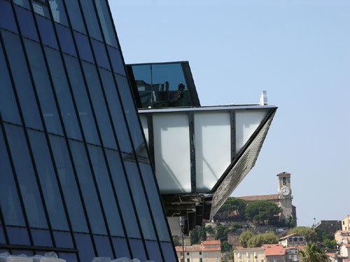 Cannes : nouvelle façade pour le Palais des Festivals