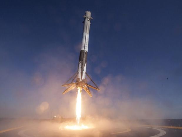 La date du 30 mars 2018 est une première historique, lorsque la société américaine SpaceX a lancé une fusée déjà utilisée et est parvenue une nouvelle fois à en récupérer le premier étage, ouvrant ainsi la voie à une possible troisième utilisation - DR : SpaceX