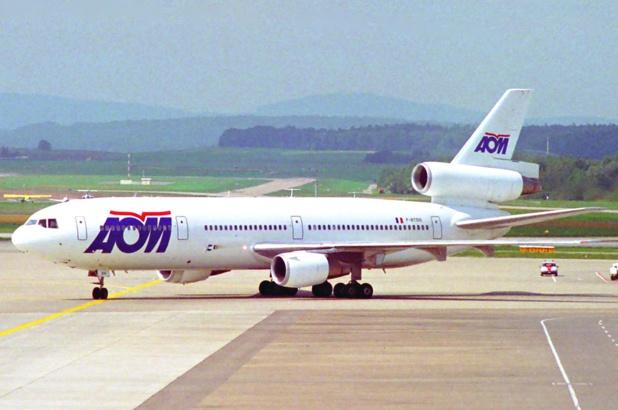 Entre 1998 et 2003 : la fin du rêve d'AOM © Aero Icarus from Zürich, Switzerland, Wikimedia Commons