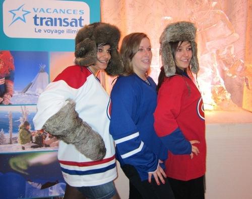 Hockeyeuses d'un soir, les AVG prennent la pose devant le photographe
