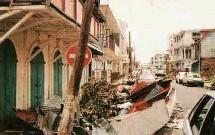 Des compagnies d'évaluation des risques ont estimé que les dégâts aux biens assurés risquaient de représenter jusqu'à 10 milliards de dollars dans le sud-ouest de la Floride.
