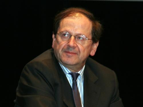Hervé Novelli, secrétaire d'Etat au Tourisme, veut « Mobiliser sur tous les fronts pour l'investissement touristique », l'un des thèmes des séance plénières