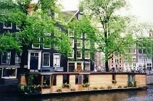 En tête des progressions par rapport à 2004, les capitales nordiques telles que Copenhague ou Stockholm ainsi que Bruxelles et Amsterdam sont les grandes révélations de la saison.