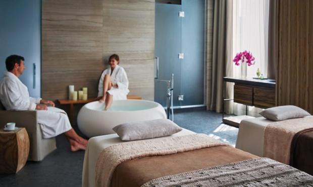 Le Spa de l'hôtel Four Seasons à Toronto a réouvert ses portes au public pour une nouvelle enclave de bien-être dans le quartier chic de Yorkville. Photo: Four Seasons
