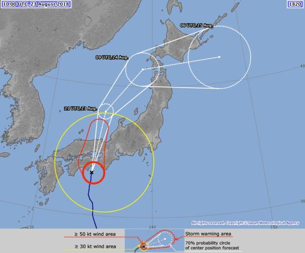 Le Japon attend le typhon cimaron