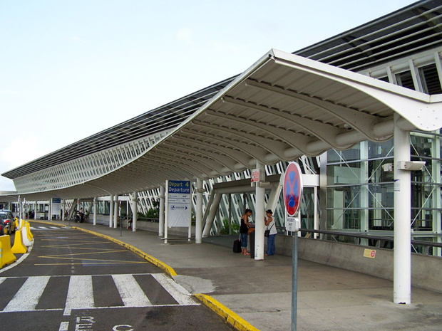 aéroport de Pointe-à-Pitre, Guadeloupe - crédit : LPLT / wikicommons