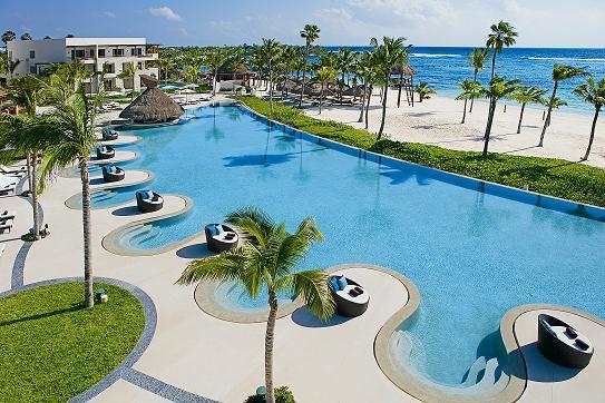 "Une luxueuse adresse ""adults only"" : le Secrets Akumal Riviera Maya (5*) de la chaîne AM Resorts."