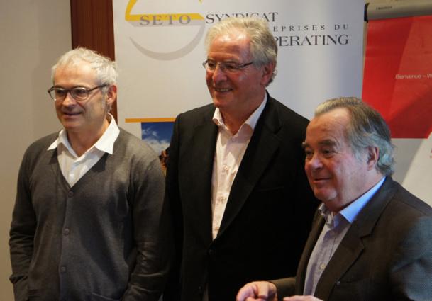 René-Marc Chikli entouré de ses deux vice-présidents : Jean-François Rial et Jean-Paul Chantraine lors d'un forum du SETO à Deauville - DR CE