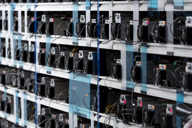 """Les """"fermes de serveurs"""", pointée du doigt pour leur consommation importante en électricité © IgorVetushko depositphotos.com"""
