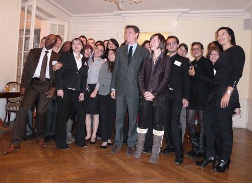 Autour du médiateur Thierry Baudier, de Emmanuelle Llop et Laurence Jegouzo, une partie de la promo Master Droit du Tourisme 2010/2011