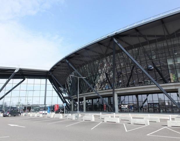 Toutes les équipes d'Aéroports de Lyon sont mobilisées pour que le trafic reprenne le plus rapidement possible dès que l'autorisation des autorités de Police sera donnée. - Copyrithgricochet69 Depositphotos.com