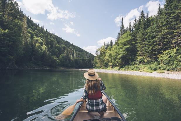 La rivière Restigouche, reconnue pour sa pêche aux saumons. - Tourisme Nouveau-Brunswick