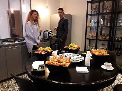"""L'espace """"cuisine"""" du nouvel appartement-boutique du Club Med avenue Paul Doumer à Paris.MS."""