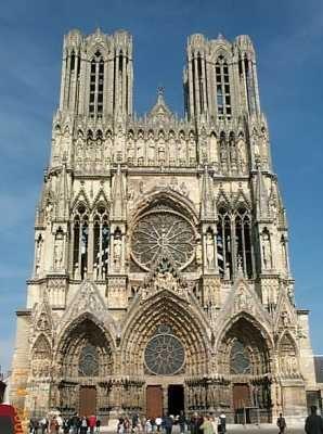 La Cathedrale de Reims, lieu de sacre des rois de France, s'est partagée la vedette avec Notre Dame de Paris.