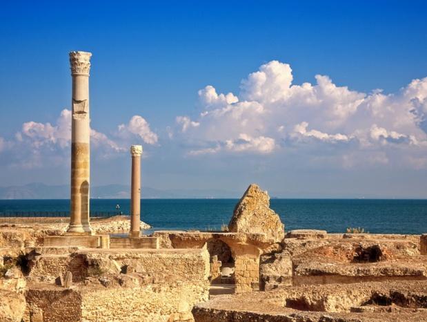 Les ruines des thermes d'Antonin à Carthage, Tunisie - Photo Depositphotos zhuzhu