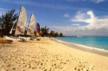 OMT : augmentation de 5% à 6% du trafic touristique en 2005
