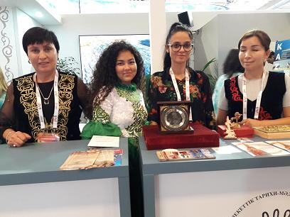 Modernité et tradition. Une partie de l'équipe du Kazakhstan.