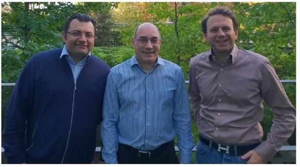 Bernard Molle, entouré de Vidal Chriqui (inventeur du BTU Protocol et co-fondateur) et Hervé Hababou, président