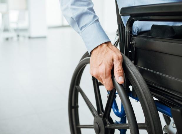 Les professionnels doivent désormais fournir des informations d'ordre général sur l'adaptation du voyage ou du désir aux Personnes à mobilité réduite  - Photo DepositPhotos stockasso