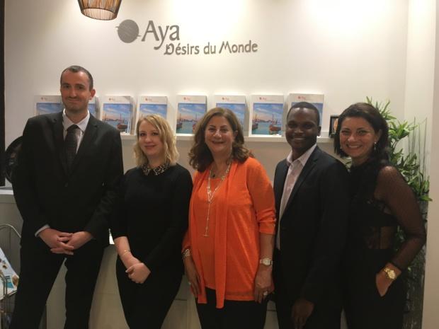 L'équipe de l'agence Aya Désirs du Monde rue Mathurins dans le 8e arrondissement de Paris. Au centre, Adeline Kurban-Fiani, directrice générale d'Aya - DR : CL