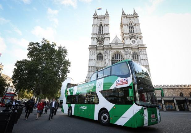 Le nouveau bus électrique transporte jusqu'à 75 passagers, 7j/7, il fera en moyenne 125 arrêts par service - copyright groupe RATP