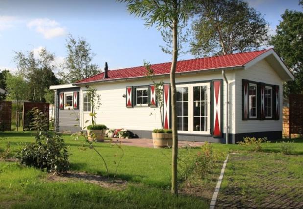 Situé à proximité des plages de Hollande, le camping De Oase 4* est composé de 512 emplacements. - DR
