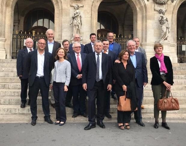 Au centre, Roland Héguy, président de l'UMIH et de la confédération, René-Marc Chikli, président du SETO et Jean-Pierre Mas, président des Entreprises du voyage, vice-présidents de la CAT. - DG