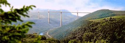Le Viaduc de Millau souffle sa 1ère bougie