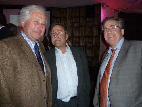 Autour d'Antoine Cachin président de FRAM, François-Xavier de Boüard et Philippe de Saint Victor, président et directeur général du réseau AS Voyages