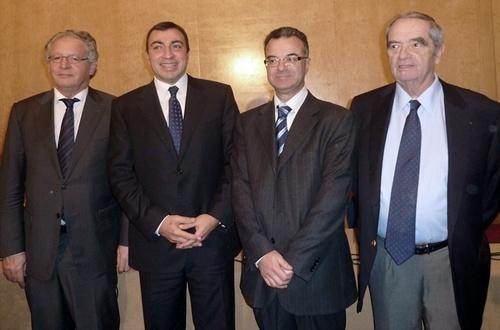 Mehdi Houas Ministre du Tourisme et du Commerce de Tunisie et Slim Chaker, Secrétaire d'Etat au Tourisme avec René-Marc Chikli (CETO) et Georges Colson SNAV)