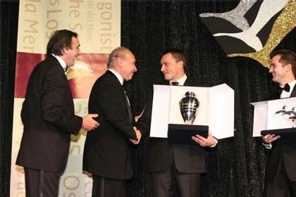 QCNS Cruise représenté par Anthony BOIVINET ; Prix remis par Pierluigi FOSCHI