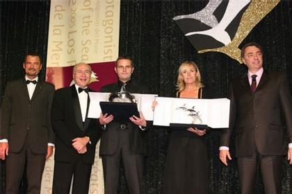 ABCroisieres représentés par Pauline Hansen, Patrick Gaudefrin et Frédérique Ledieu. Prix remis par Pierluigi FOSCHI