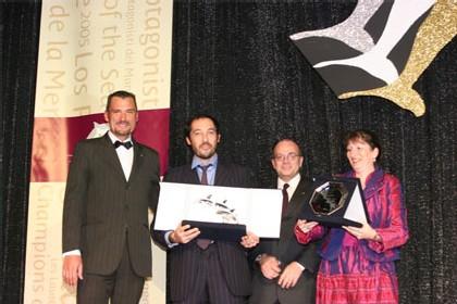 RL Voyages représenté par Hervé Caillau. Prix remis par Patrice Régnier & Nadine Pflieger