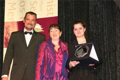 Croisivoyages représentée par Pascaline Philippe & Adèle Franovic. Prix remis par Laurent Py & Nadine Pflieger