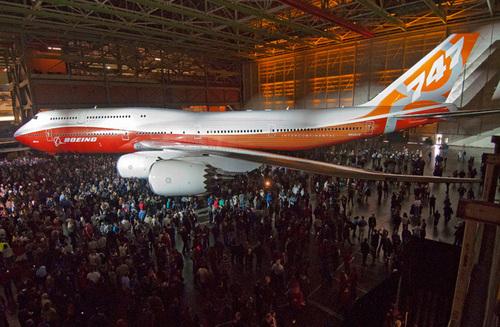 Boeing présente son nouveau B747-8 Intercontinental