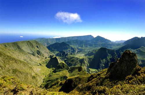 Le tourisme réunionnais vise les 600 000 visiteurs et 3,5% du PIB de l'île en 2015 /photo STUDIOLUMIERE DR