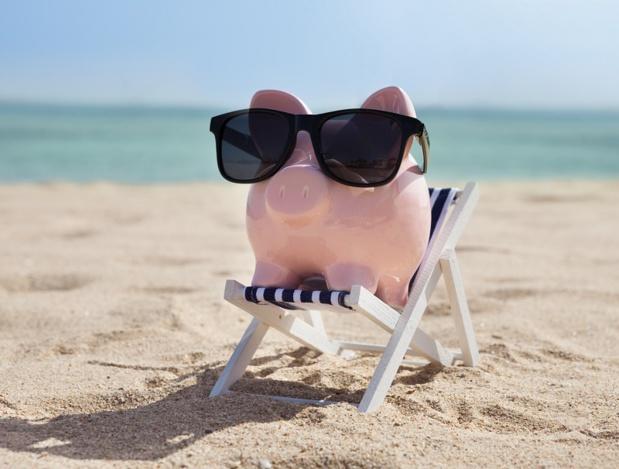 """Hausse du taux de commission des chèques-vacances : """"Ce qui me désole c'est que l'on est mis devant le fait accompli. Nos marges sont faibles et quand on vous prend 2,5% on vous prend toute la marge."""" - Depositphotos.com AndreyPopov"""