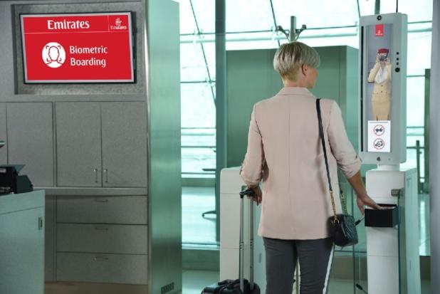 Les derniers équipements biométriques qui utilisent un mélange de reconnaissance de l'iris et du visage ont déjà été installés au Terminal 3 et est disponible à certains comptoirs d'enregistrement - DR Emirates