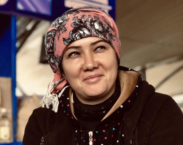 Vendeuse sur le marché de Tachkent /photo JDL