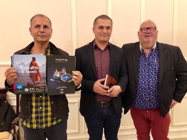 Michel Salaün (dte) en compagnie du représentant du tourisme de Samarcande (milieu) et de son réceptif Saad Alhaire, Silk Tours /crédit photo JDL
