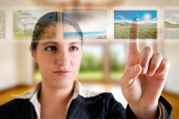 """Pour Guy Raffour, l'agent de voyages a un avenir : """"savoir mettre l'humain en avant et la connaissance du client"""" - Crédit photo : Depositphotos @scornejor"""