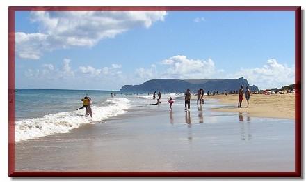 Si Madère affiche un relief plutôt volcanique, Porto Santo, petite île au large de l'archipel possède de magnifiques plages...