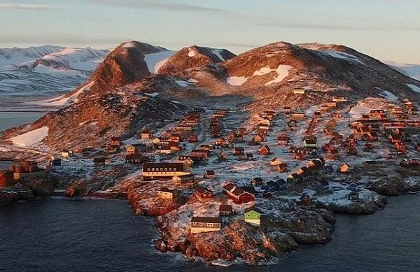 C'est à Ittoqqotoormiit, à l'est du Groenland que se trouve l'hôtel le plus réculé du monde - Crédit photo : Hotels.com